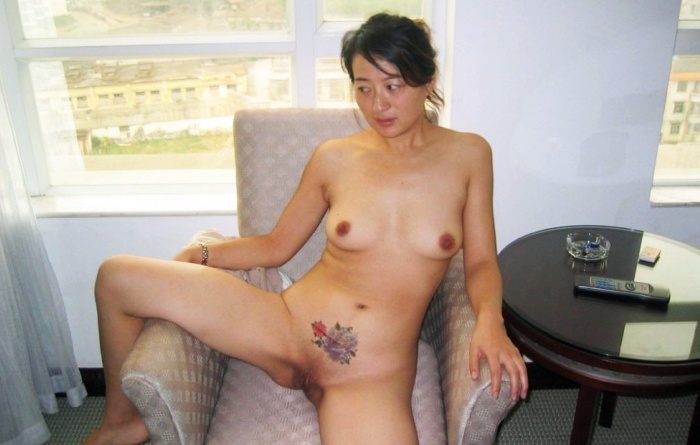 Shaved Chinese Pussy Hotel Nude Photo